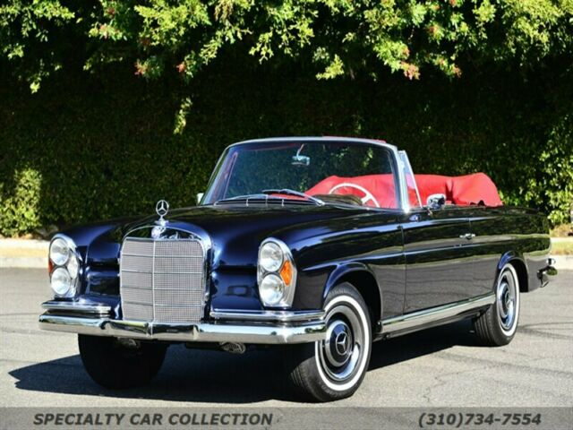 1966 Mercedes-Benz 200-Series (Blue/Red)