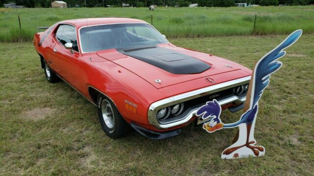 1971 Plymouth Road Runner (FE5 Rally Red/Black)