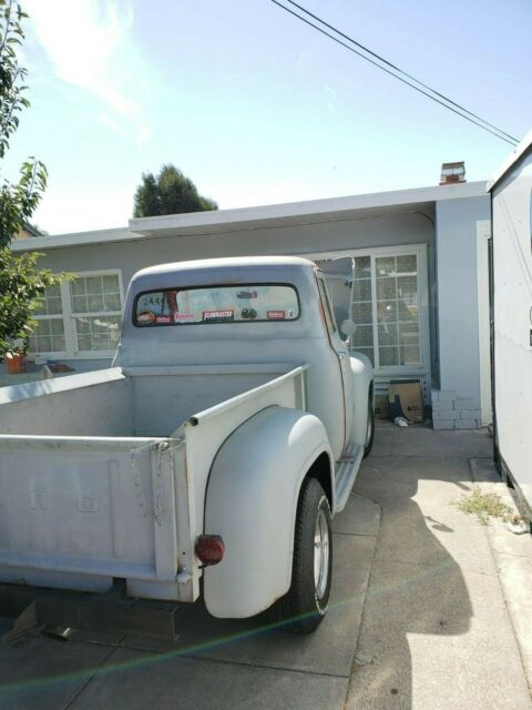 1955 Ford F-100 (Gray/Red)