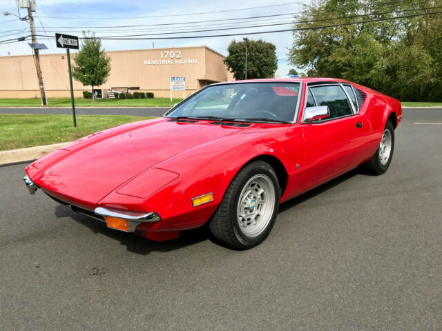 1972 De Tomaso pantera (red/black)