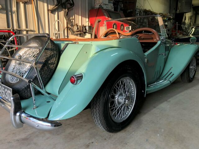 1954 MG T-Series (Green/Tan)