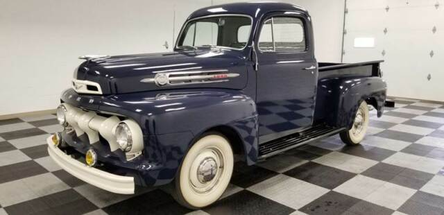 1952 Ford F-100 (Blue/Gray)