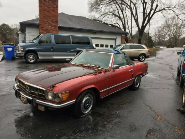 1972 Mercedes-Benz SL-Class (Red/Black)