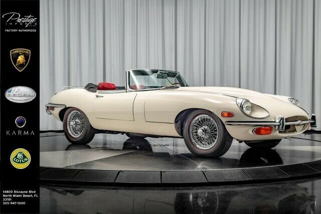 1970 Jaguar E-Type (White/Red)