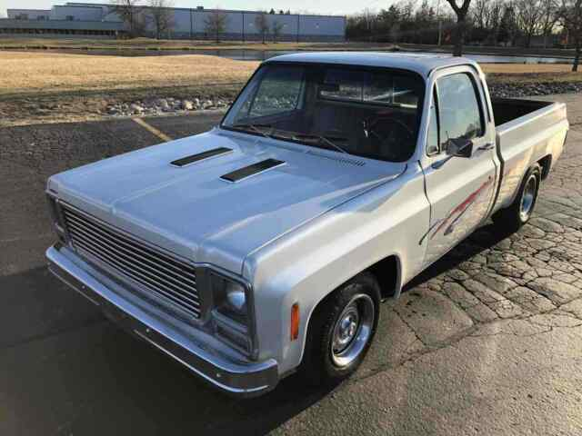 1979 Chevrolet C10/K10 (White/Red)