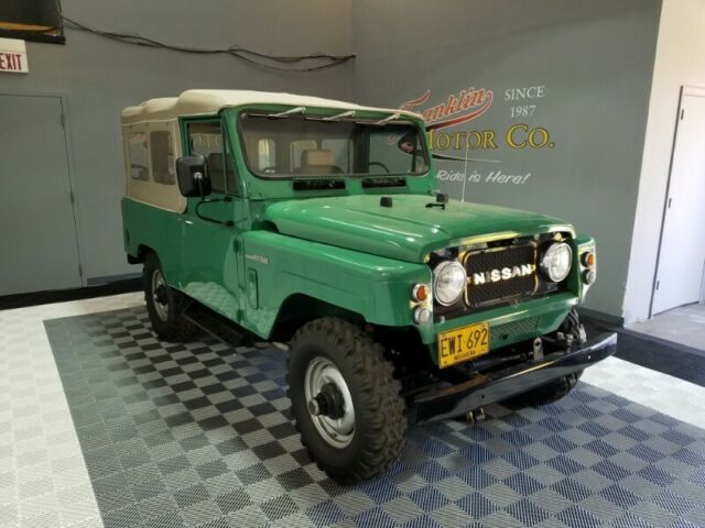1979 Nissan Patrol (Green/Tan)
