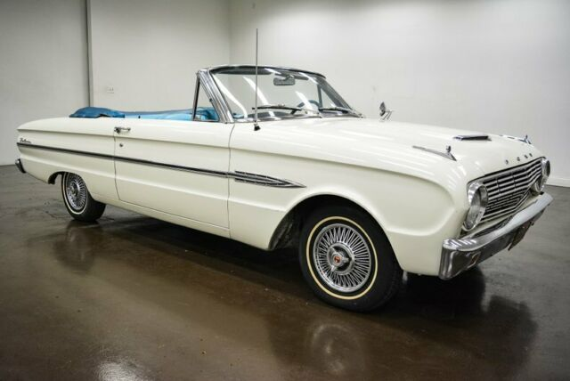 1963 Ford Falcon (White/Blue)