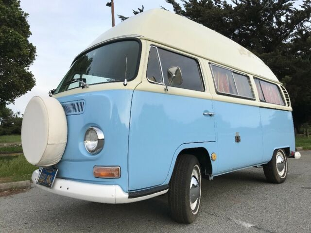 1969 Volkswagen Bus/Vanagon (Blue/Tan)