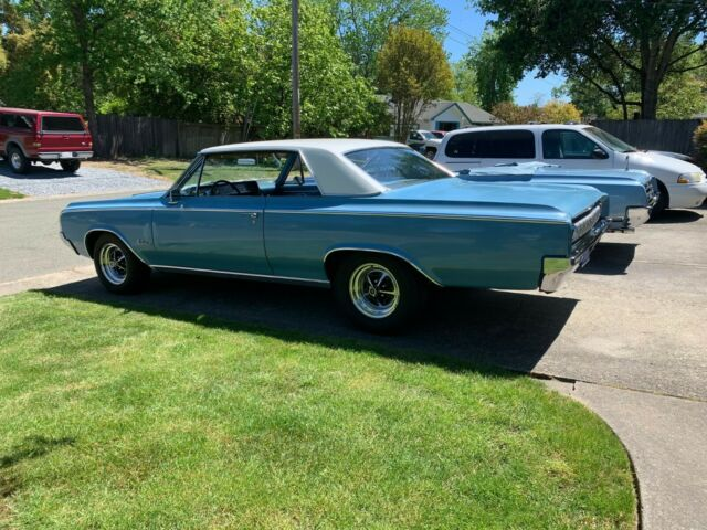 1964 Oldsmobile Cutlass (Blue/Blue)