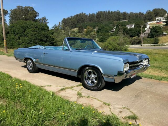 1965 Oldsmobile 442 (Blue/Blue)