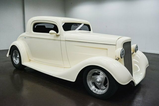 1934 Chevrolet Coupe (White/Purple)