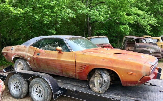 1974 Dodge Challenger (Orange/Black)