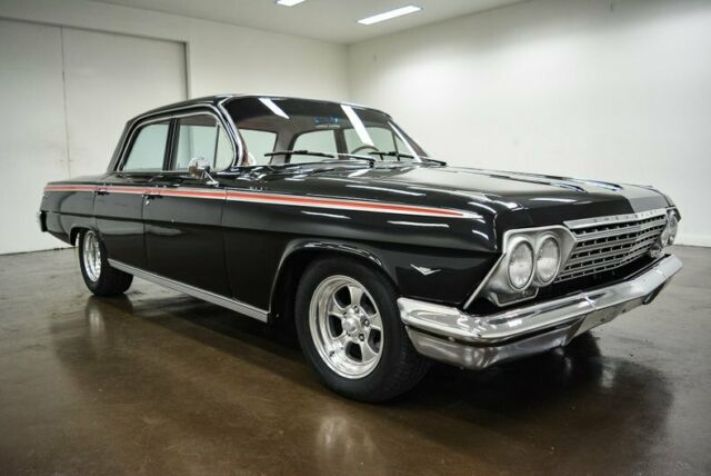 1962 Chevrolet Impala (Black/Red)