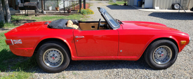 1974 Triumph TR-6 (Red/Tan)