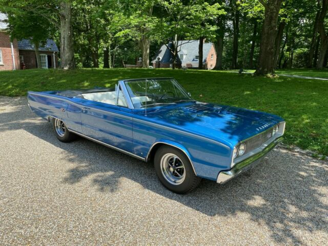 1967 Dodge Coronet (Blue/White)
