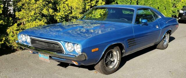 1973 Dodge Challenger (B5 BLUE/Black)