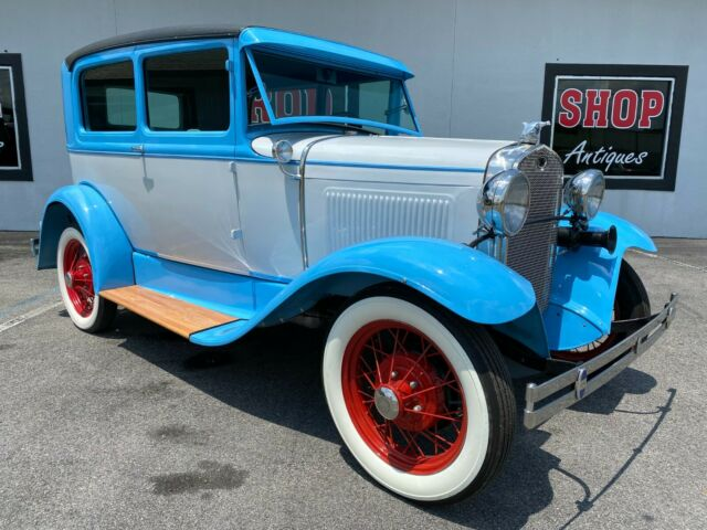 1931 Ford Model A (Blue/Gray)