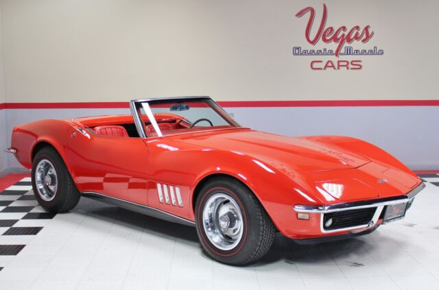 1968 Chevrolet Corvette (Red/Red)