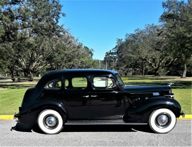 1938 Packard Impala (Black/Gray)