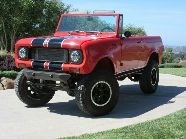 1970 International Harvester Scout (Red/Black)