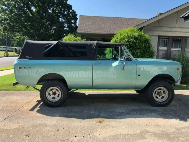 1978 International Harvester Scout (Green/Tan)