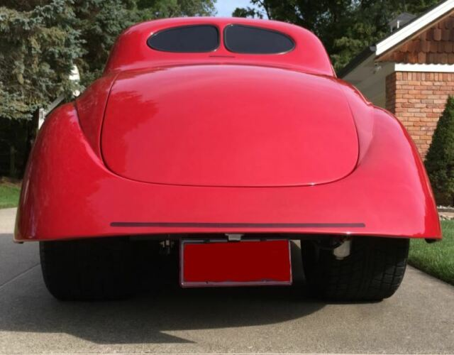 1941 Willys Americar (Red/Red and Black)