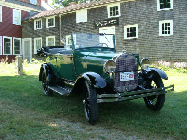 1929 Ford Model A (Green/Gray)