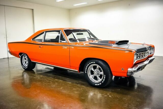 1968 Plymouth Road Runner (Orange/Black)