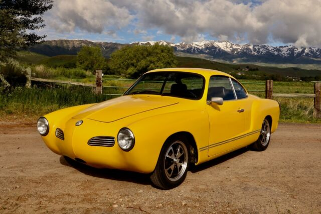 1974 Volkswagen Karmann Ghia (Yellow/Gray)