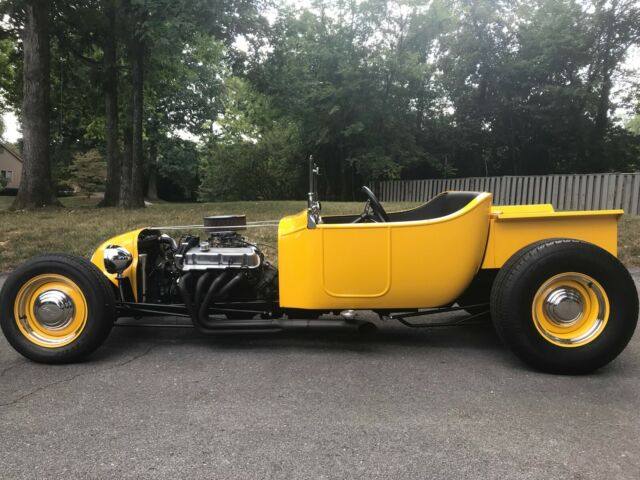 1923 Ford Model T (YELLOW/Black)