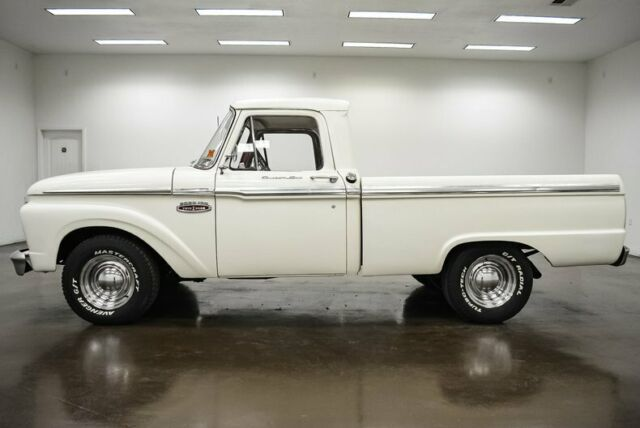 1965 Ford F-100 (White/Red)