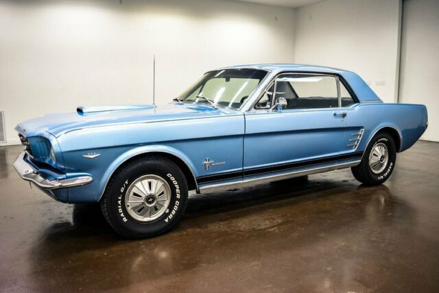 1966 Ford Mustang (Blue/Blue)