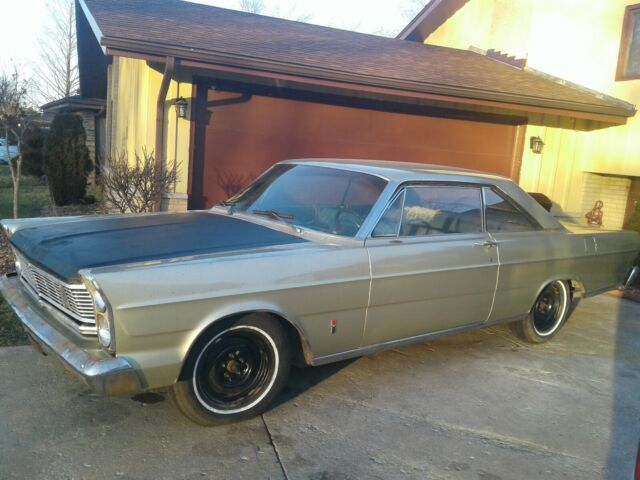 1965 Ford Galaxie (Green/Black)