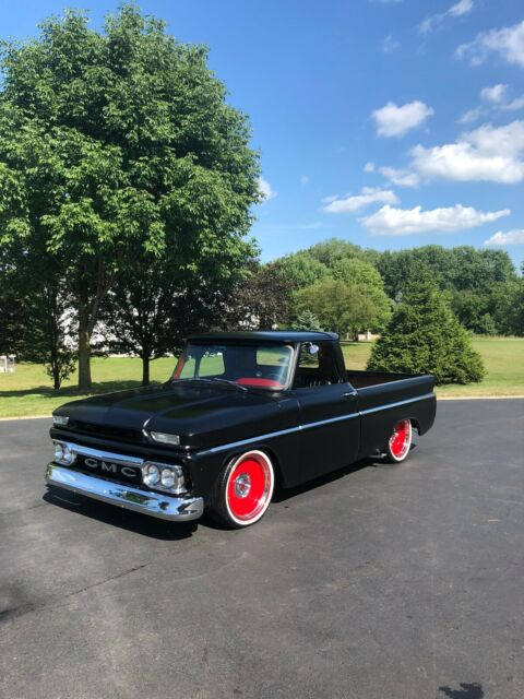 1965 GMC Truck (Black/Red)