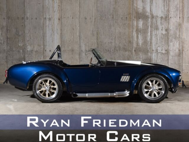 1965 Shelby Cobra (Black/Blue)