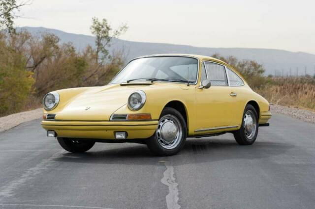 1968 Porsche 912 (Yellow/Black)