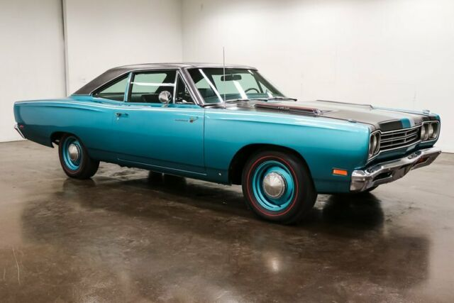 1969 Plymouth Road Runner (Bright Turquoise Metallic/Black)
