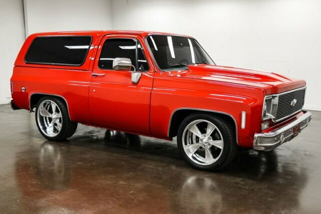 1978 Chevrolet Blazer (Red/Black)