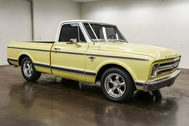 1968 Chevrolet C-10 (Yellow/White)