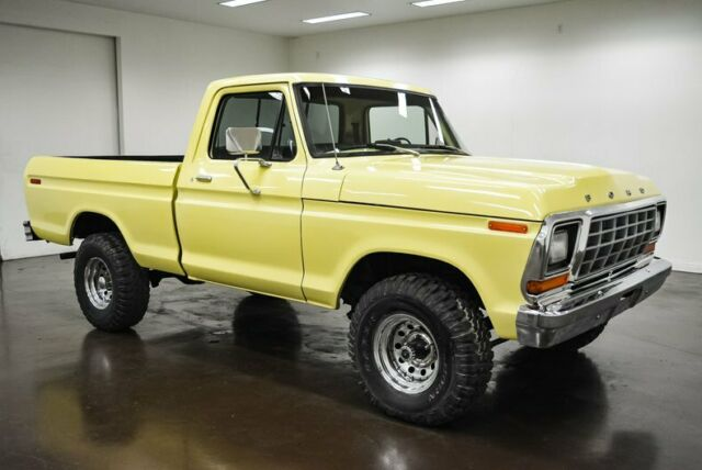 1979 Ford F-100 (Yellow/Black)