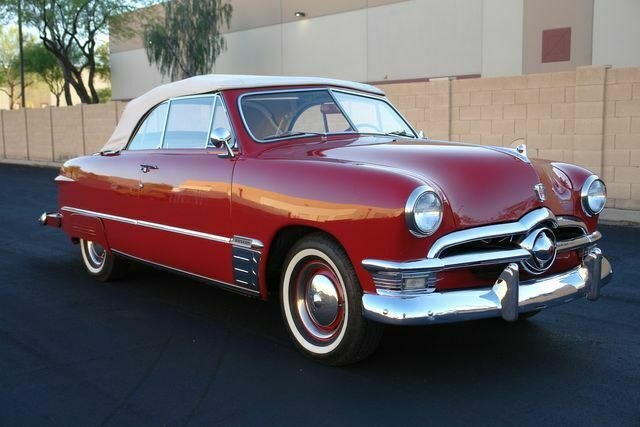 1950 Ford Deluxe (Red/Red)