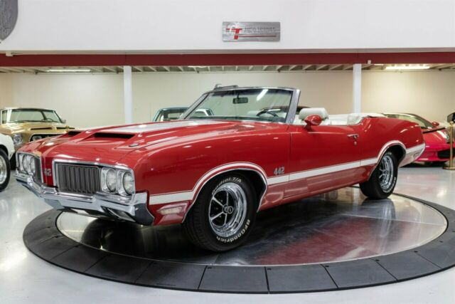 1970 Oldsmobile 442 (Red/White)