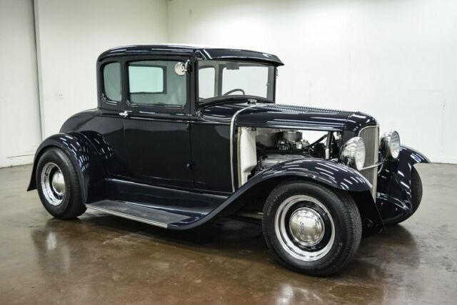 1931 Ford Model A (Blue/Black)