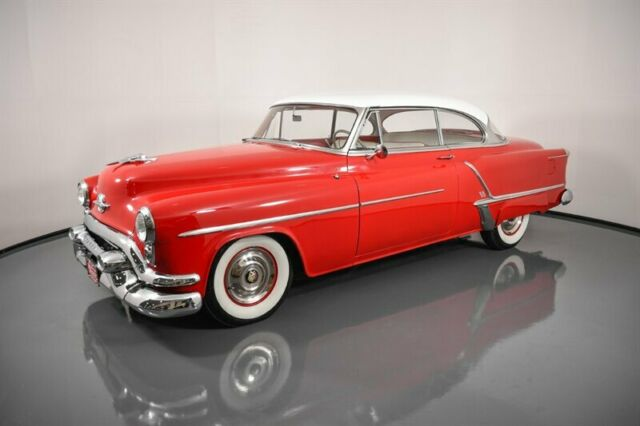 1953 Oldsmobile Eighty-Eight (Red/White)