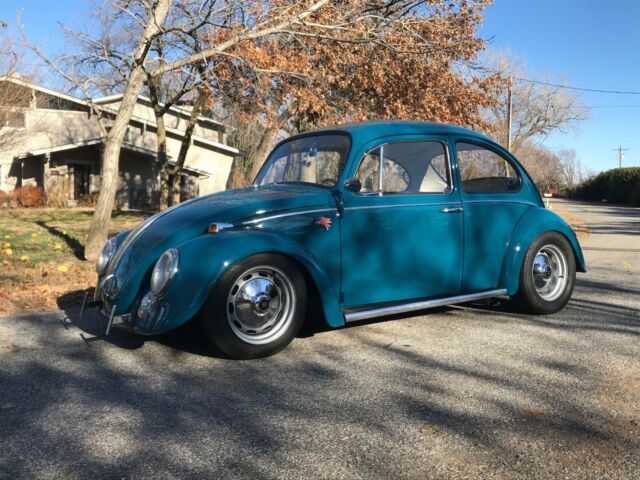 1966 Volkswagen Beetle - Classic (Blue/White)
