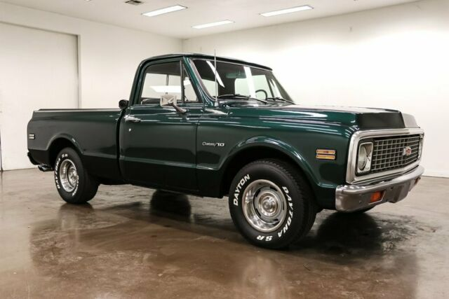 1972 Chevrolet C-10 (Green/Black)