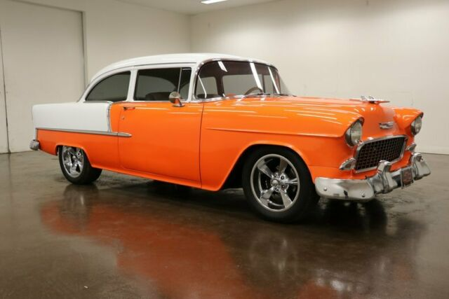 1955 Chevrolet Bel Air/150/210 (Orange/Tan)