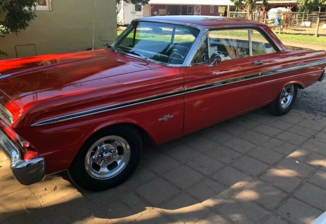 1965 Ford Falcon (Red/Black)