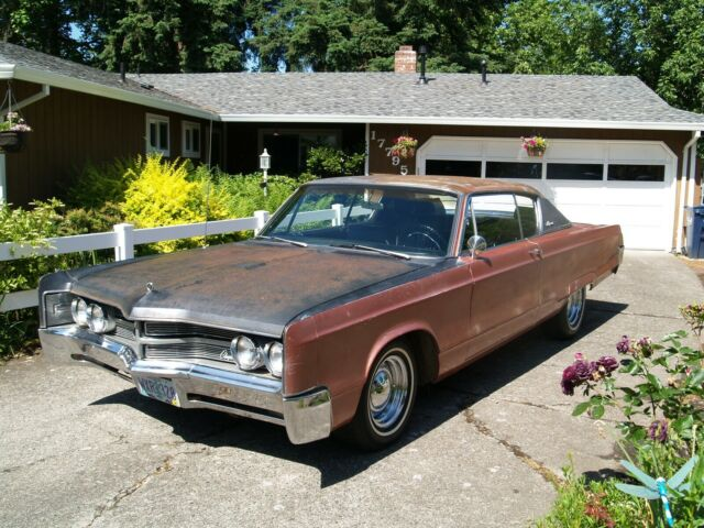 1967 Chrysler 300 Series (Orange/Black)
