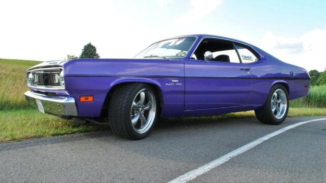 1970 Plymouth Duster (Purple/Black)